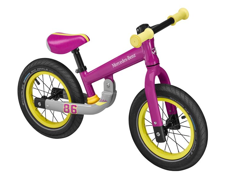 "Bicicleta echilibru, varsta 2+, 16 cm, aluminiu, roz cu logo ""Mercedes Benz"" - Originala Mercedes"
